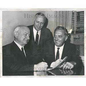 1967 Press Photo Nathan Rosenfeld Don Nixon Jos Slavik - RRV92703