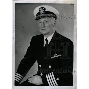 1960 Press Photo Captain Roberts Served Navy World War - RRW80291