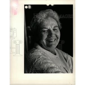 1987 Press Photo Mrs. Donna Adrian, Restaurant Owner. - RRW15273