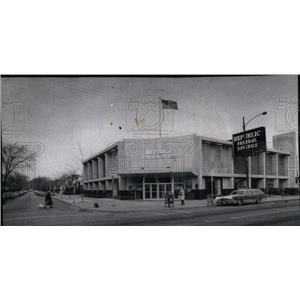 1974 Press Photo Republic Federal Saving Loan building - RRU96423