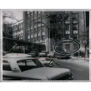1962 Press Photo Ford Hospital Hold-Up Scene - RRX05545
