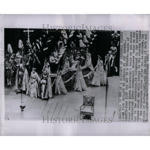 1953 Press Photo Queen Elizabeth Westminster Abbey - RRU91855