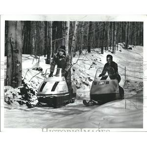 1971 Press Photo People traveling snowmobile sweaters - RRV01697