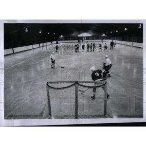 1969 Press Photo Skating Ice Rinks - RRX05137