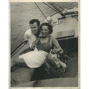 """1938 Press Photo Betty Winkler & Pat Murphy in """"Girl Alone"""" - RSC90711"""