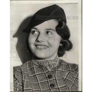 1937 Press Photo Olympe Bradna Actress - RRX64609