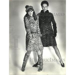 1966 Press Photo Chombert Rabbit Fur Clothing and boots - RRW46463