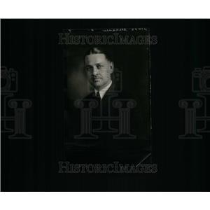 1926 Press Photo Weanl Glessner Warner Profile Picture - RRU25105