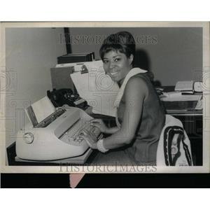 1966 Press Photo Chicago Merit Employment Committee - RRU28565