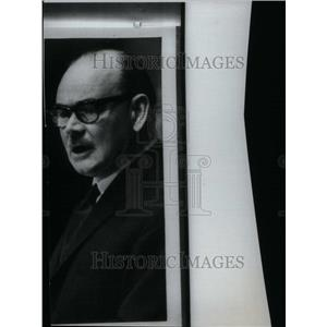 1966 Press Photo Paul Meernaa Hasluck Poet Servant Sir - RRU29801