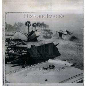 1961 Press Photo Houston Yacht Club pier Hurricane Carl - RRU33495