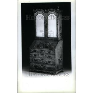 1990 Press Photo Jappaned Queen Anne secretary bookcase - RRU34263