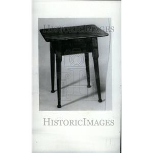 1973 Press Photo Antique Maple Tavern Table Circa 1720 - RRU34395