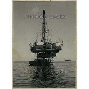 1958 Press Photo Oil Drilling/Lake Erie/Gas/Oil/Canada - RRU34531