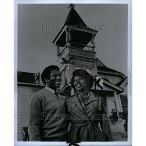 1973 Press Photo Hari Rhodes Lynn Hamilton Building - RRU39949
