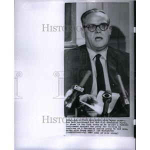 1965 Press Photo Gus Hall US Communist Party New York - RRU40283