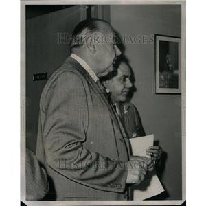 1961 Press Photo Judge Carl Wiedeman Samuel Torina - RRU41507