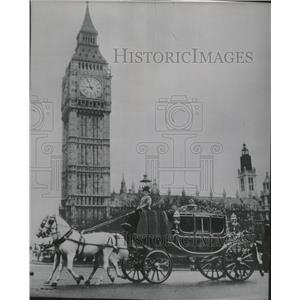 1967 Press Photo Richly Gilded Irish state coach Ben - RRV07497