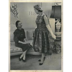 1958 Press Photo Marjory McNichols Rock Organza Gown - RRV09583