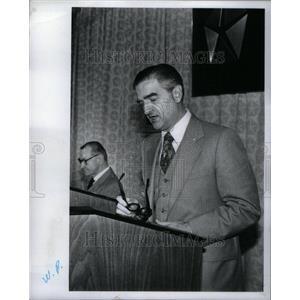 1977 Press Photo John Riccardo Chrysler Chairman - RRU42157
