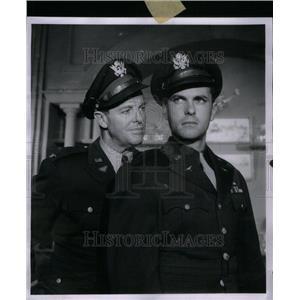 1958 Press Photo Bob Cummings Rip Tron Actor - RRU41207