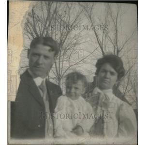 1917 Press Photo Arthur H. Doherty With Wife and Child - RRU26201