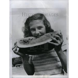 1947 Press Photo Girl Wins Florida Watermelon Festival - RRU34439