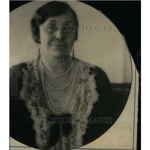 1931 Press Photo Loula Long Combs Garn Lady Horse Shows - RRU23877