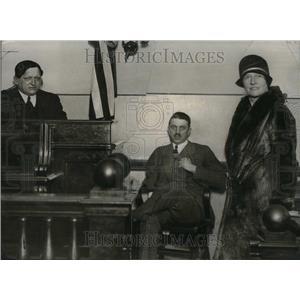 1929 Press Photo Ralph Wood Grace Wife - RRU31213