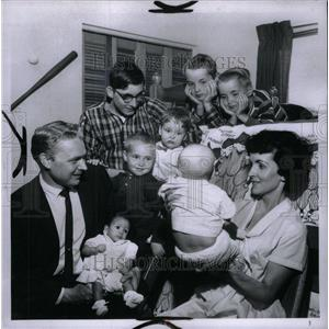 1966 Press Photo Robert Hairgiaves Robby Eric Greg - RRU43923