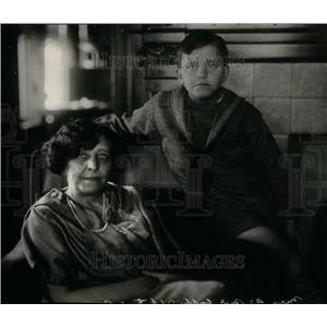 1935 Press Photo Mrs.D'Orsay McCall White & son - RRU30881