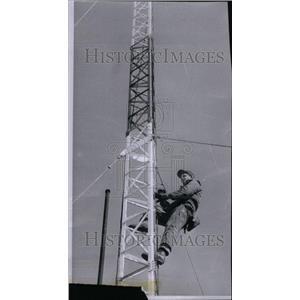 1960 Press Photo Towerman Climbing Tower Stott Building - RRU36917