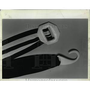 1983 Press Photo canvas belt buckle - RRW04429