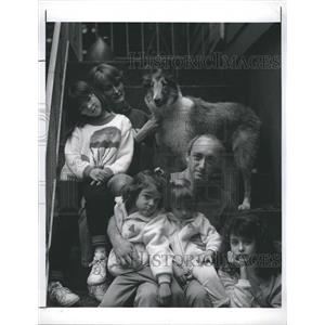 1989 Press Photo Greenwich Time Newspaper Editor Joseph Pisani Family