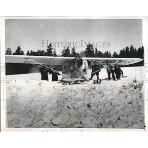 1946 Press Photo The Aerial game census prevented from doing their job by snow.