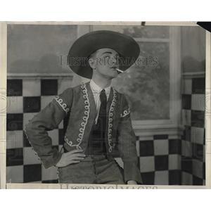 1925 Press Photo Actor J. Moe In New College Show In Philadelphia