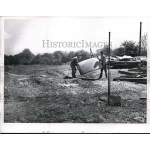 1962 Press Photo Joseph F, Brashner at Memphis Auto Wrecking Co. Memphis.