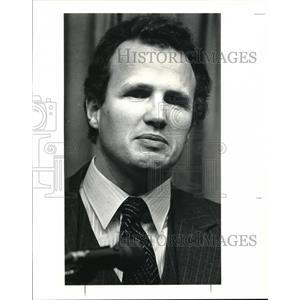 1985 Press Photo School board debates at the City Club James M. Carney Jr.