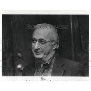 1989 Press Photo Robert Brindza President Of AFSCME Ohio Council Sitting