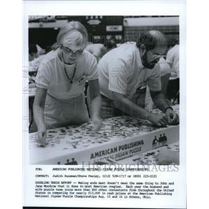 1987 Press Photo John & Jane Woodrow at the American Publishing National Jigsaw