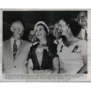 1952 Press Photo General Dwight Eisenhower,Mrs Howard Babcock,Mrs Mel Galnik
