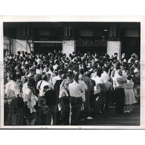 1967 Press Photo Stadium baseball crowd - cva93643