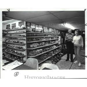1989 Press Photo Bill & Ida Varnes in the Western Reserve Fire Museum