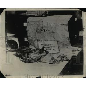 1929 Press Photo A bomb addresses to Governor FD Roosevelt found in NY