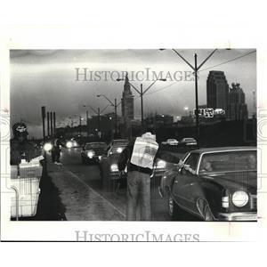 1986 Press Photo Curb pick up, Main PO, Orange Ave, tax returnees - cva94187