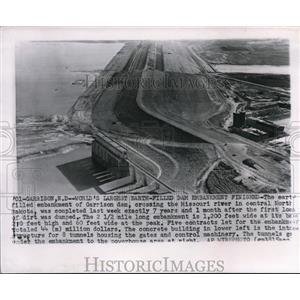 1954 Wire Photo The Garrison dam crossing the Missouri river in Central Dakota