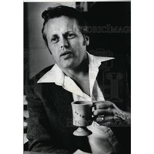 1982 Press Photo Tony Bamonte, Sheriff IE - spa00633