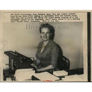 1956 Press Photo Delores Mann 1 woman striker at Pittsburgh PA job - nee86434