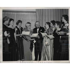 1948 Press Photo President Truman & Women's National Press Club - nee84149