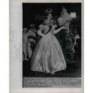 1957 Wire Photo Ruth Eisenhower, as Queen of the President's Cup Regatta.